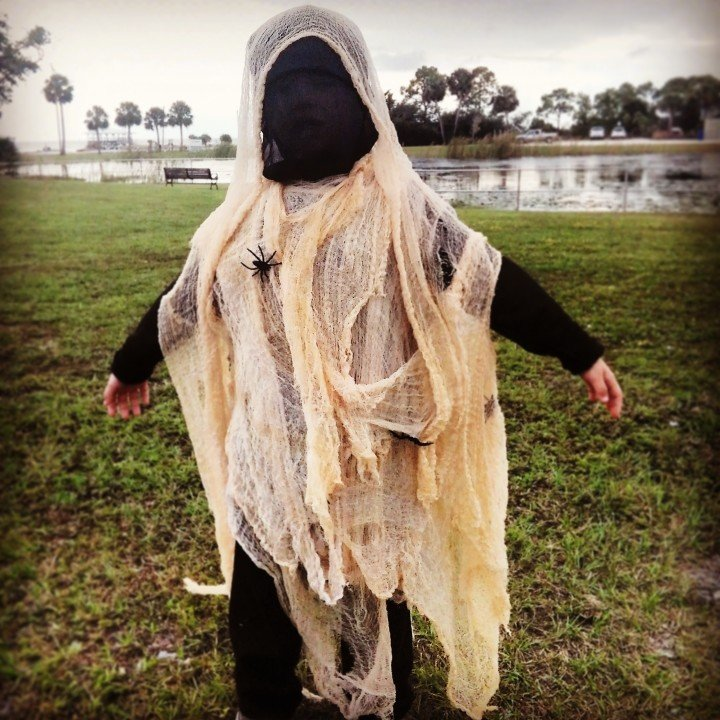 DIY Kids Ghost Costume by scratchandstitch.com & Cheesecloth Ghost Costume