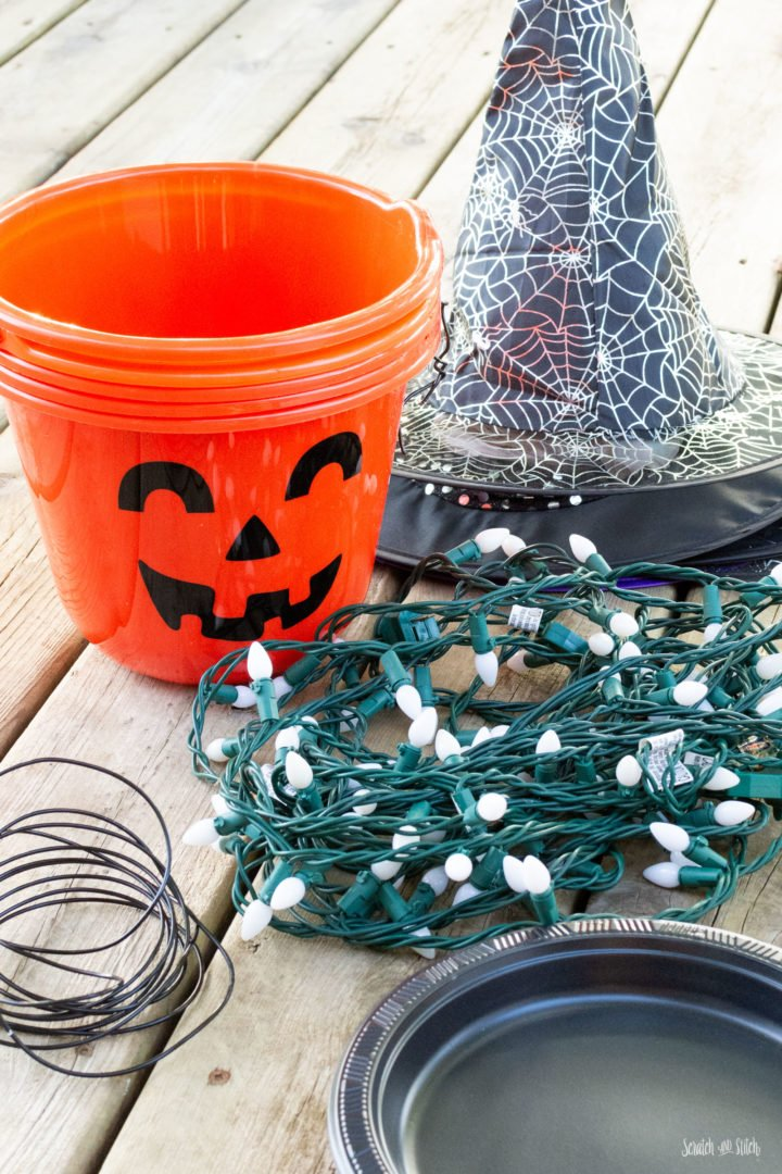 Plastic Pumpkin Crafts for Halloween by Scratch and Stitch